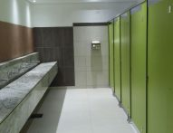 T2 Frameless Toilet Partition